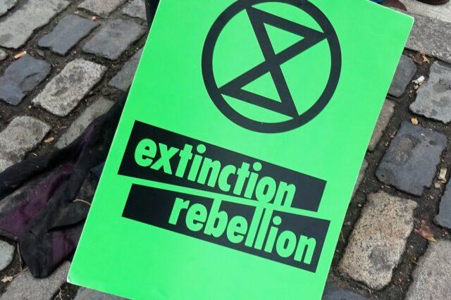Protest Gwrthryfel Difodiant (Extinction Rebellion) yn Llundain yn 2018