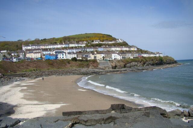 Traeth Dolau, Ceinewydd
